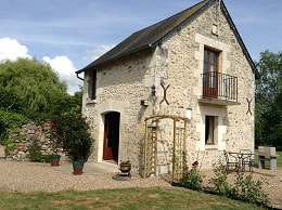 Gite - holiday accommodation for couples in Central France. Honeymoons - Romance.